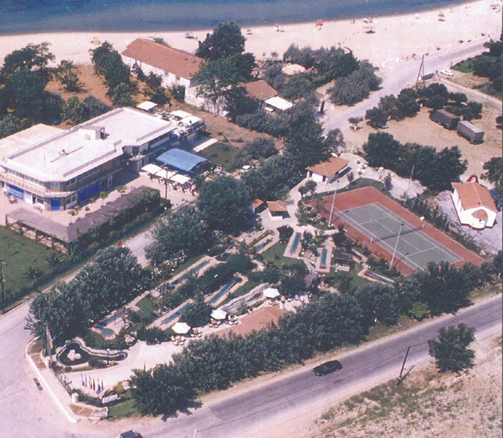 landscape_roidis_golf _tennis_court_1